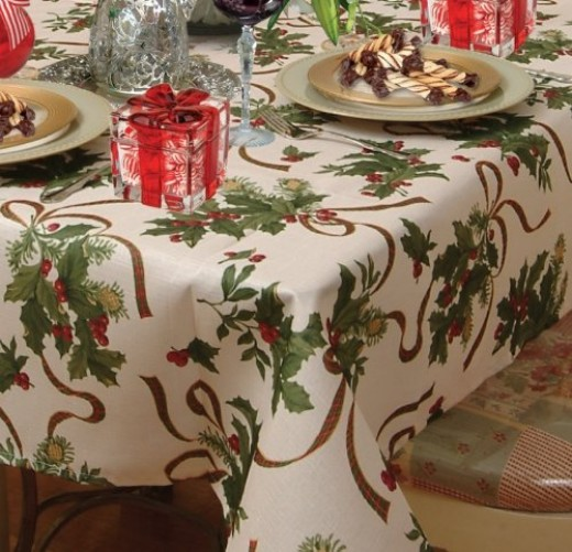 winterberries design tablecloth